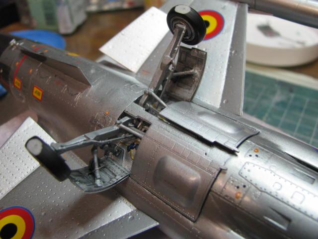 DUO: F-104N (NASA) + F-104G (BAF) Hazegawa 1/48  - Page 2 768073IMG7215