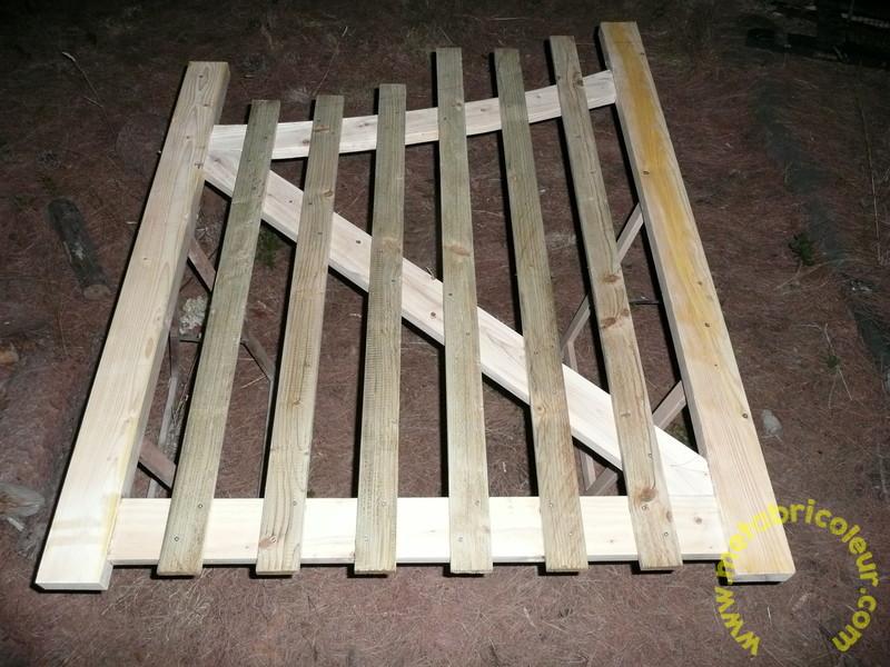 Un portail avec les moyens du bord - Page 4 768348P1030951mb