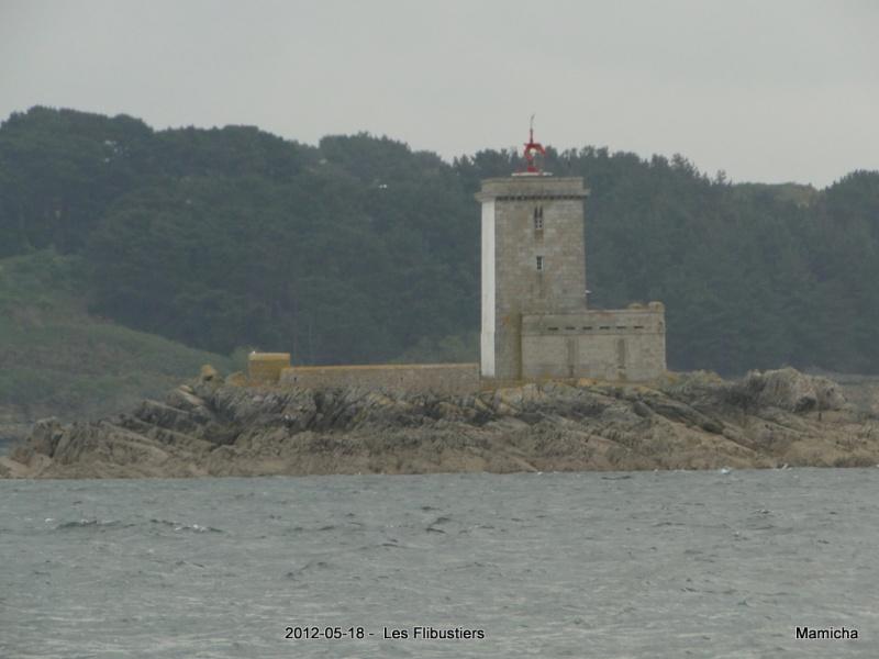 Phares de l'Île Louët et de l'Île Noire 768479199LesFlibustiersChteauduTaureau199