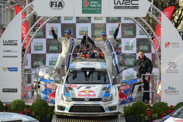 WRC Rallye de Grande-Bretagne 2013: (Jour 4) Victoire Sébastien Ogier  7695042013RallyedeGBIngrassiaOgier
