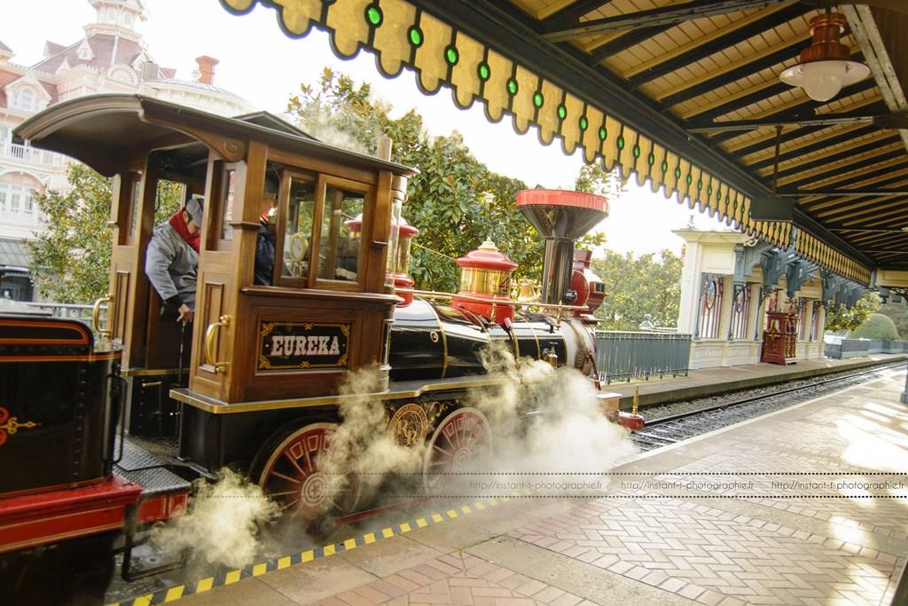 Disneyland Railroad Fantasyland Station - Page 5 77354119janv1454Copier