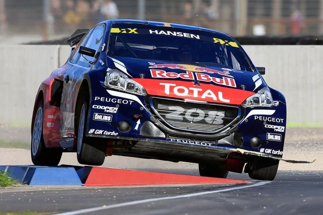 Rallycross - Sébastien Loeb remporte sa première victoire au volant de la PEUGEOT 208 WRX ! 778422wrx201610010067