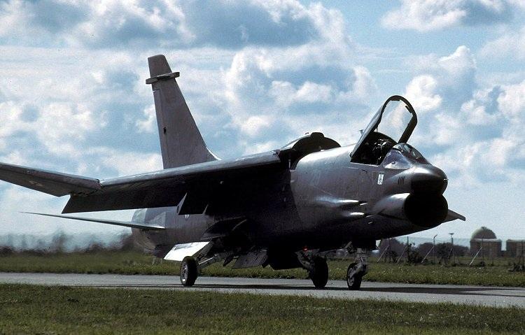 VOUGHT F-8 CRUSADER  778631VoughtF8P1996