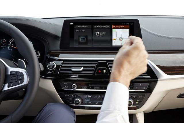 La nouvelle BMW Série 5 Berline. Plus légère, plus dynamique, plus sobre et entièrement interconnectée 781244P90237252highResthenewbmw5series