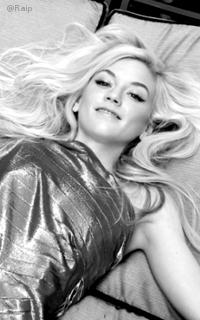Emily Kinney avatars 200x320 pixels - Page 2 786317EmilyKinney4