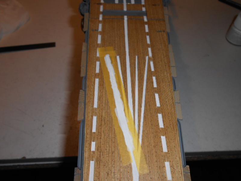 PA AKAGI 1/350 de chez Hasegawa PE + pont en bois par Lionel45 - Page 5 786625Peintureaka018