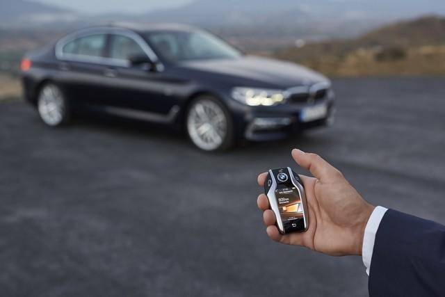 La nouvelle BMW Série 5 Berline. Plus légère, plus dynamique, plus sobre et entièrement interconnectée 787218P90237284highResthenewbmw5series