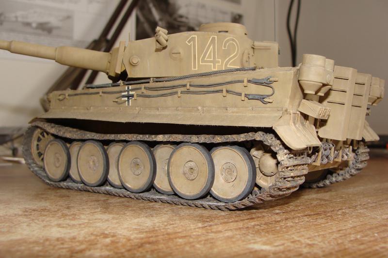 Tigre I - Tamiya ref 35156 - 1/35 - Page 5 791039DSC05434