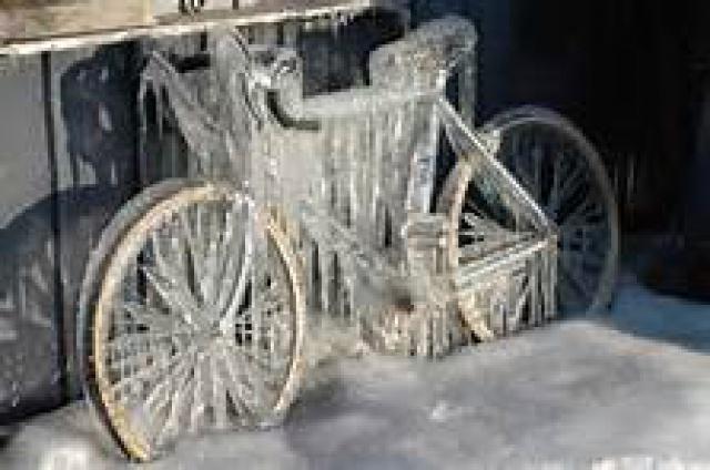 J'aime mon vélo, n'en déplaise a ma blonde. 79396211th