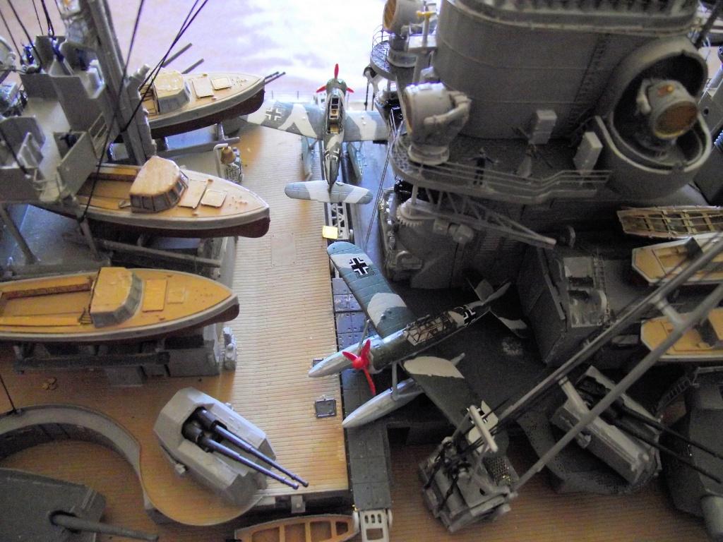 Bismarck Trumpeter 1x200 avec PE et figurines Eduard 796045BismarckTrumpeter1x20025