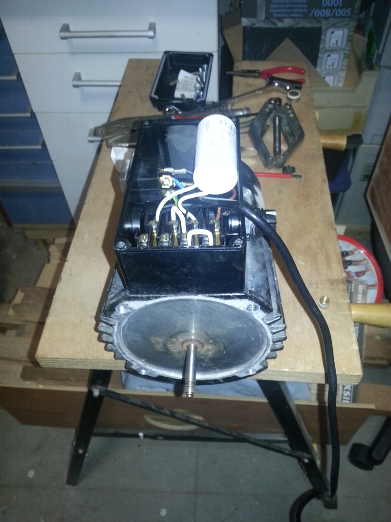 moteur bruyant 79685920150308191852small