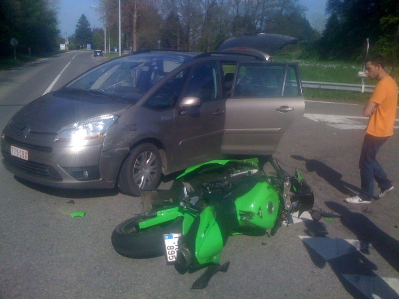 Zx6r 2011  798258IMG0292