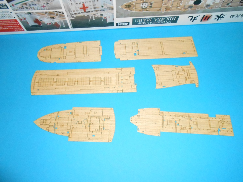 Hikawa Maru hopital 1/350 PE/pont en bois et babioles  801222DSCN5564
