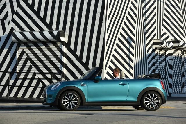BMW Group établit un nouveau record de ventes au mois d'aout 801455P90201584highResminicooperconverti