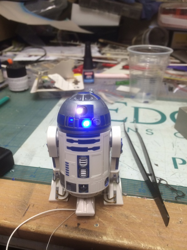 R2-D2 et C3-PO (et R5-D4) 801743IMG0240