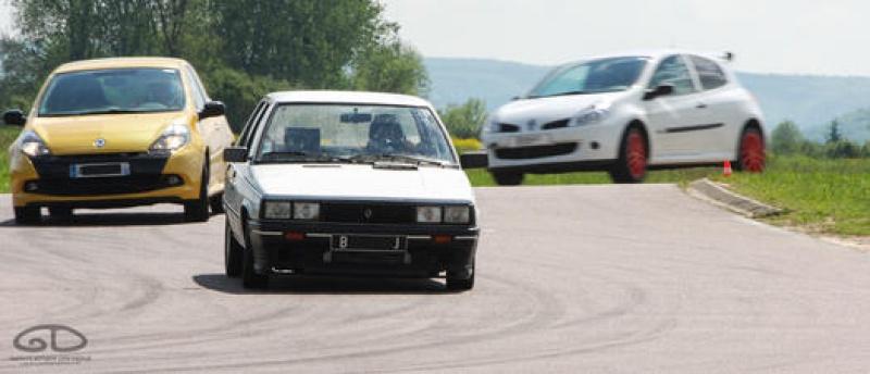 Mimich et sa R9 Turbo (du moins ce qu'il en reste) 80374220120513GDPouillyEnAuxoisDSC7630