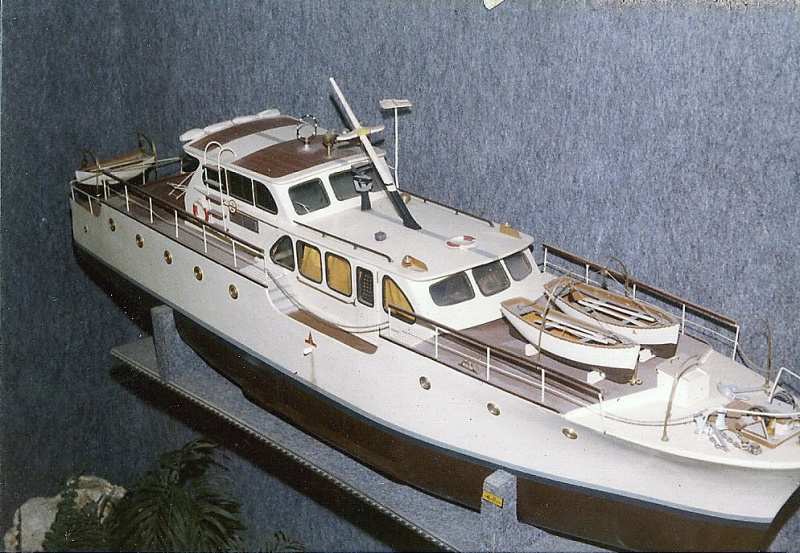 yacht le BRIGAND au 1/25° de NAVIG - Page 6 8070653043