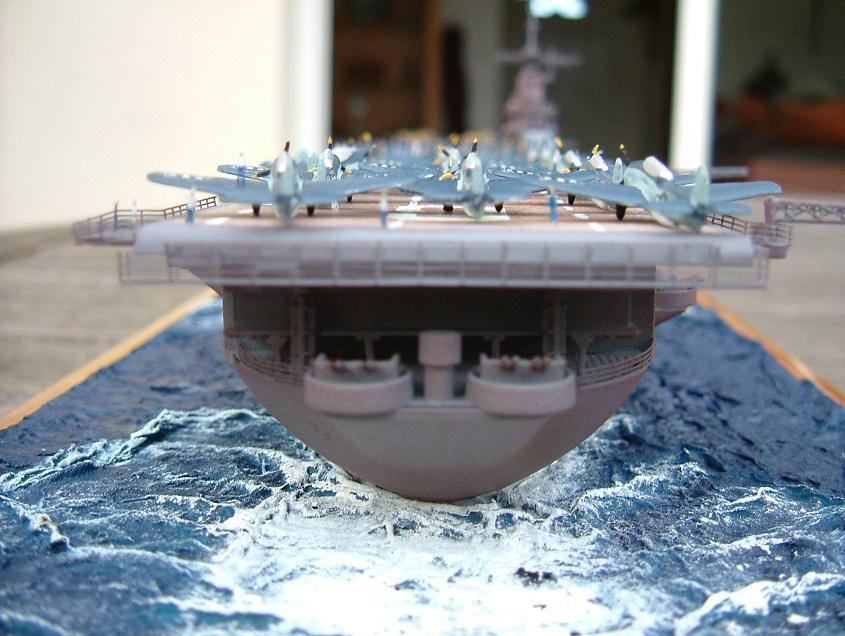 CV-9 USS ESSEX par Kagou 1/700 - Hasegawa + photodec 808995EssexCV99