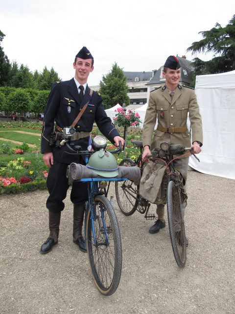 2ème Bourges Rétro Vélo  811255IMG5612