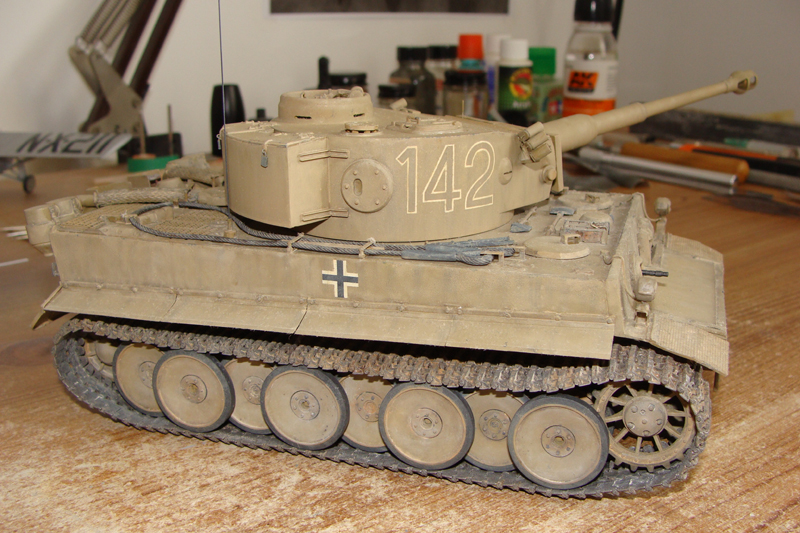 Tigre I - Tamiya ref 35156 - 1/35 - Page 5 813037DSC05438