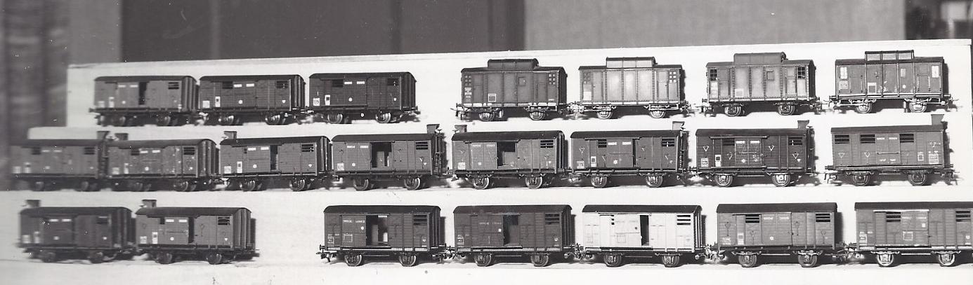 Wagons couverts 2 essieux maquette 813547VBcouvertsgurite