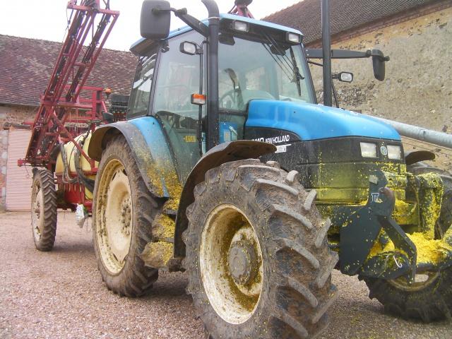 Concours du tracteur le plus cradingue - Page 2 814798SANY0261