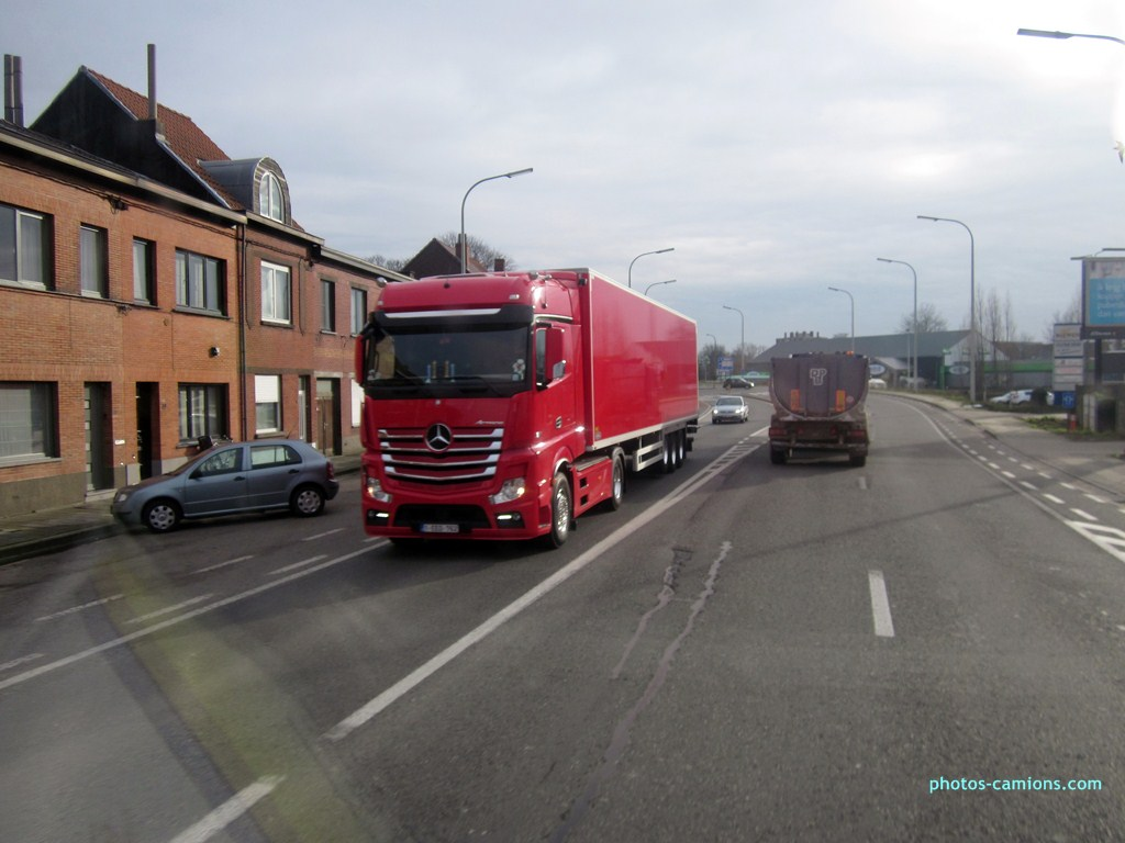 Mercedes Actros MP4 (euro 6 )  - Page 3 814961photoscamions11I2013114Copier