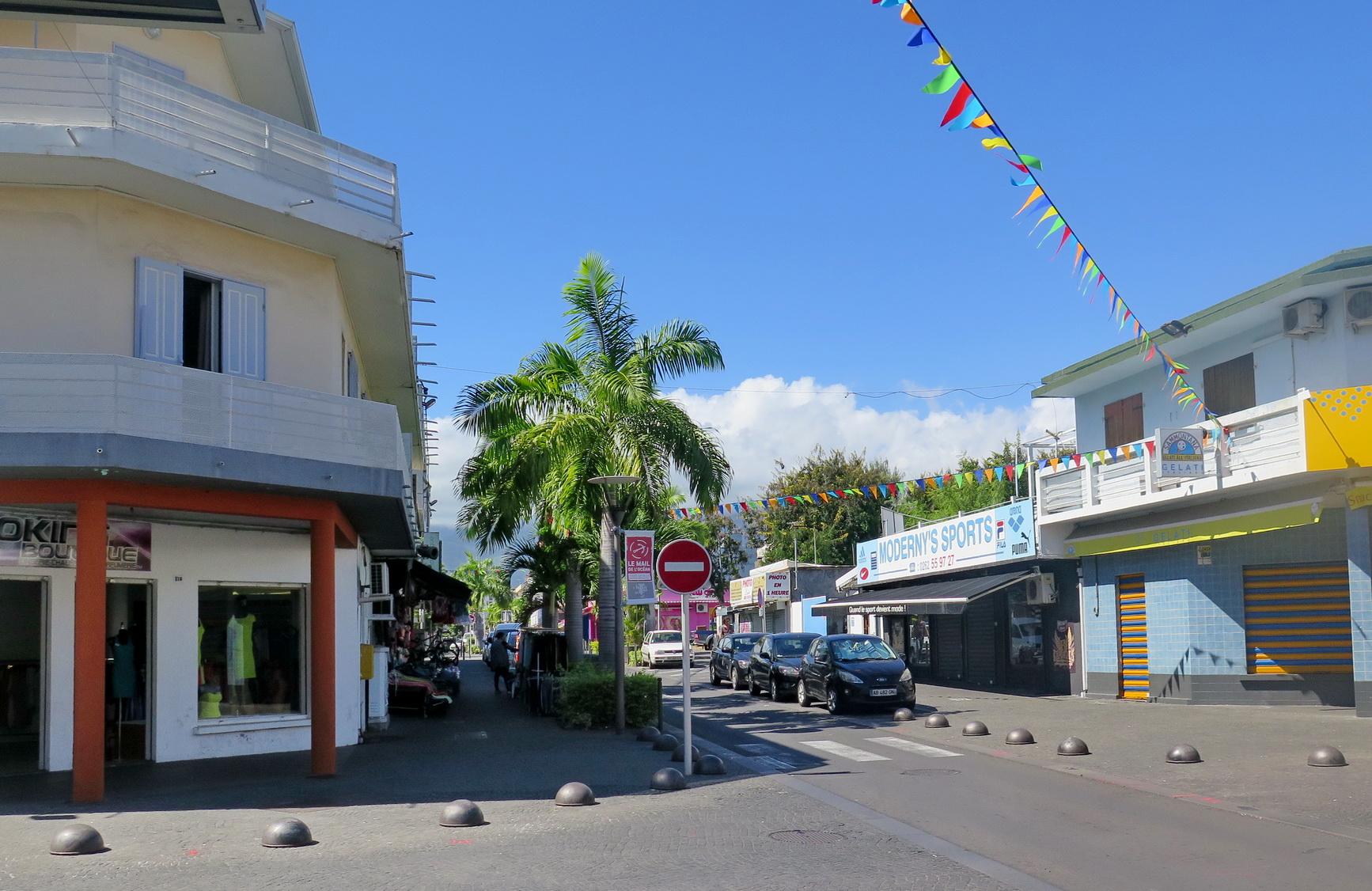[Vie des ports] Les ports de la Réunion - Page 9 814989floral299