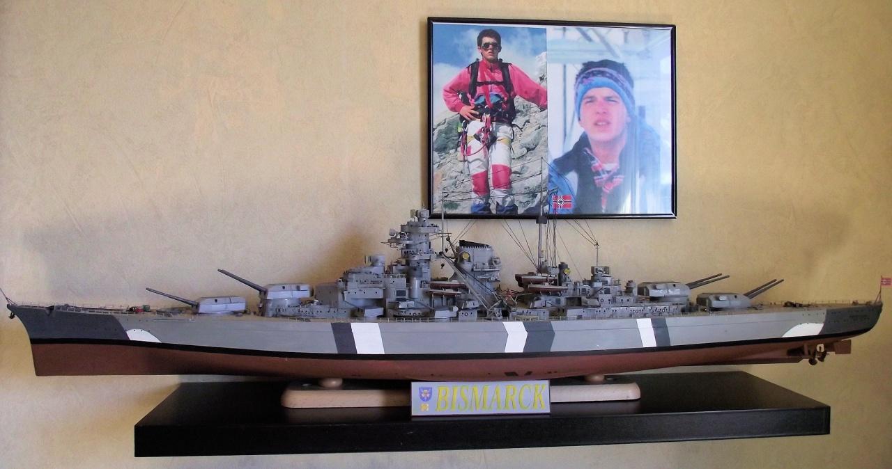 Bismarck Trumpeter 1x200 avec PE et figurines Eduard 815278Bismarck1x200154