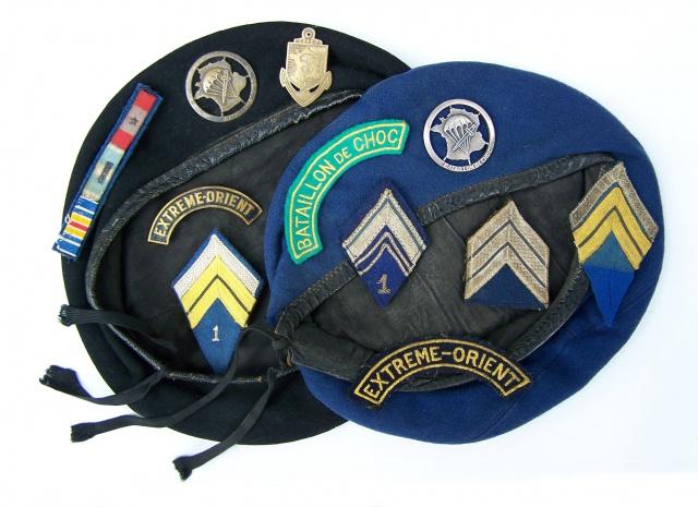 Deux soutaches à l'insigne régimentaire du 1er RCP 815332PAGE1211