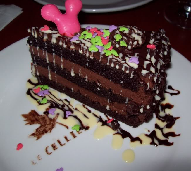 Photos des plats des restaurants à WDW 816228LeCellierChocolateCake