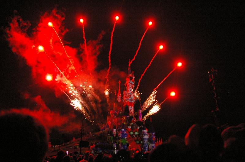 Vos photos nocturnes de Disneyland Paris - Page 6 816287IMGP5517