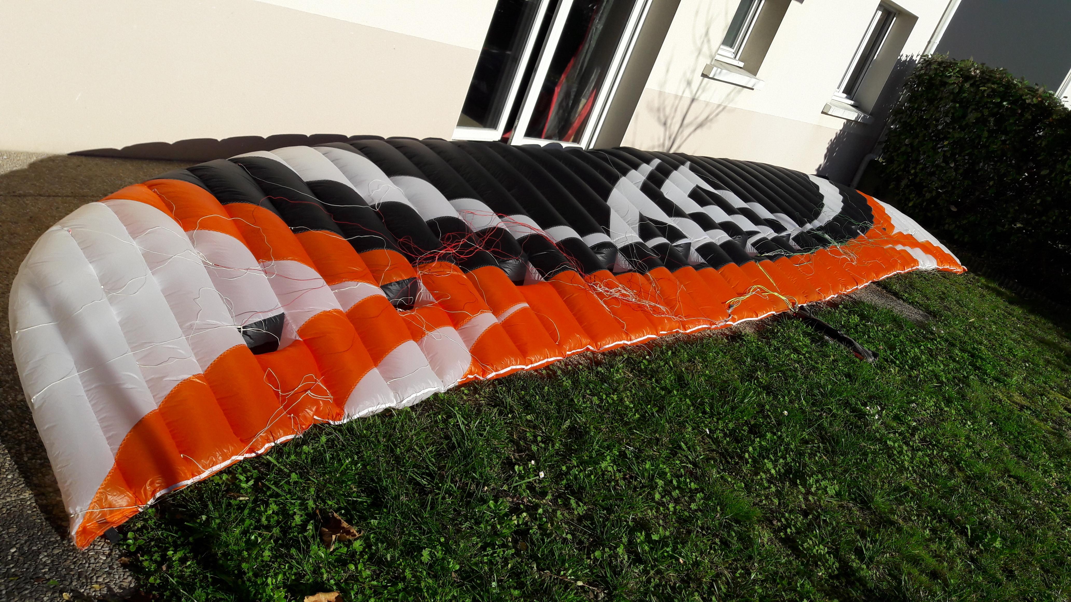 [VENDUE] Flysurfer speed4 lotus LIMITED EDITION 15m² - 1100e 81857320171125120643