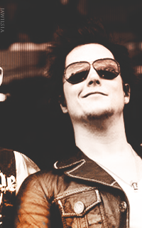 Synyster Gates - 200*320 820476SynysterGates4