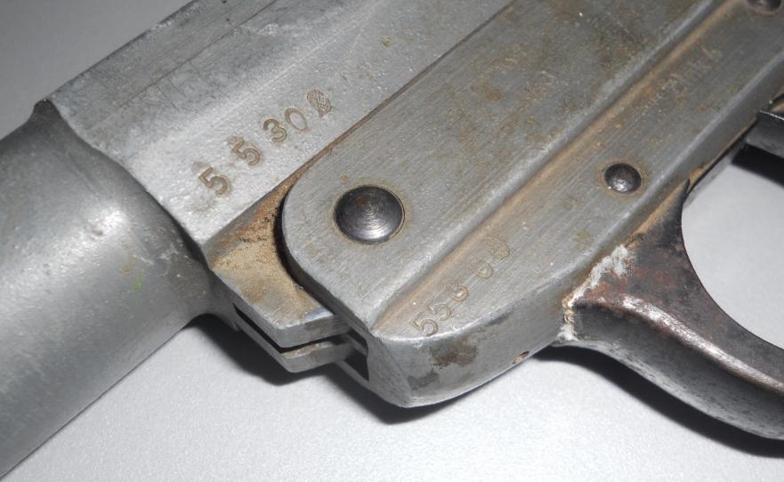 Leuchtpistole Zink 4 - ayf 43 / pistolet lance fusées  82061436z4
