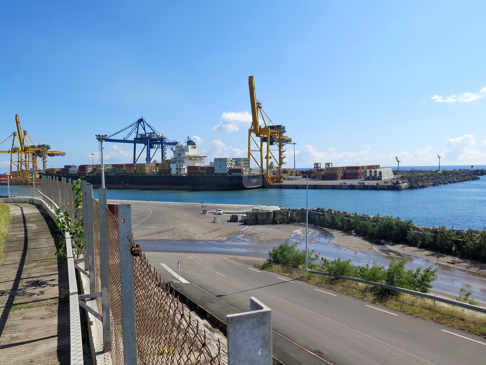 [Vie des ports] Les ports de la Réunion - Page 9 820918leportest170