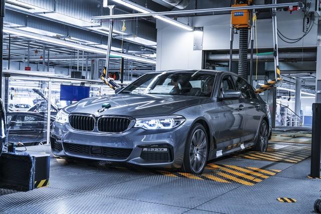 La nouvelle BMW Série 5 Berline. Plus légère, plus dynamique, plus sobre et entièrement interconnectée 821111P90237959highResbmwgroupplantding