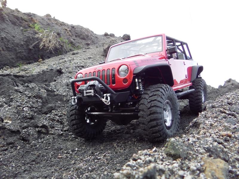 Jeep Rubicon Axial, le scale facile ;-) 822538IMGA0788