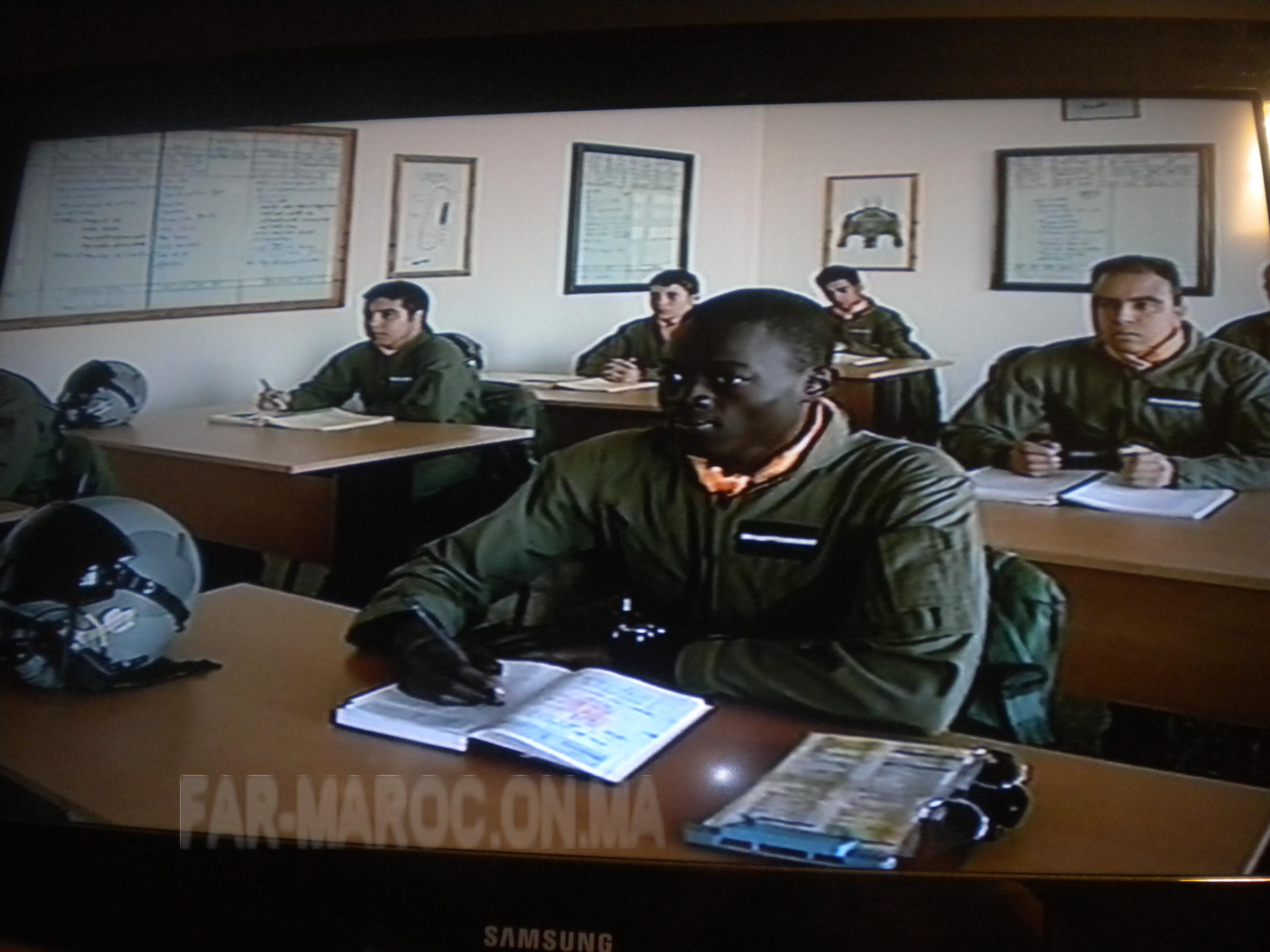 Les FRA écoles pour les élèves pilotes africains 824365AFRICAINERA