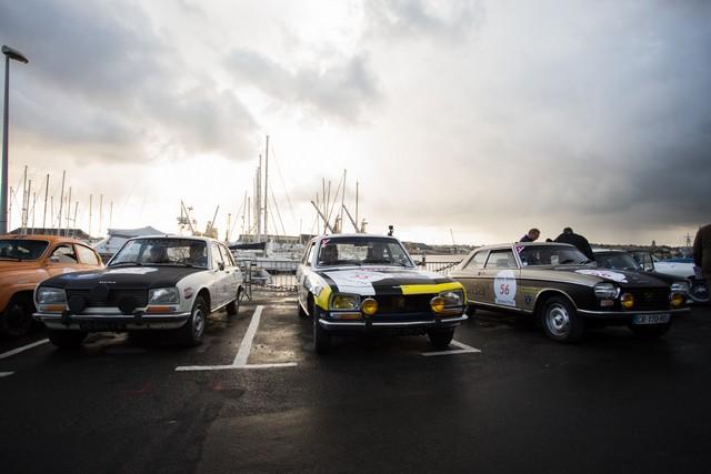 Les trois PEUGEOT à l'arrivée du Tour Auto 2017 à Biarritz 826950MG3709