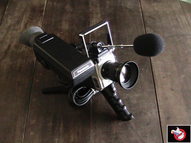 Caméra Panasonic PK-750 et VCR Portable NV-8410 82747405