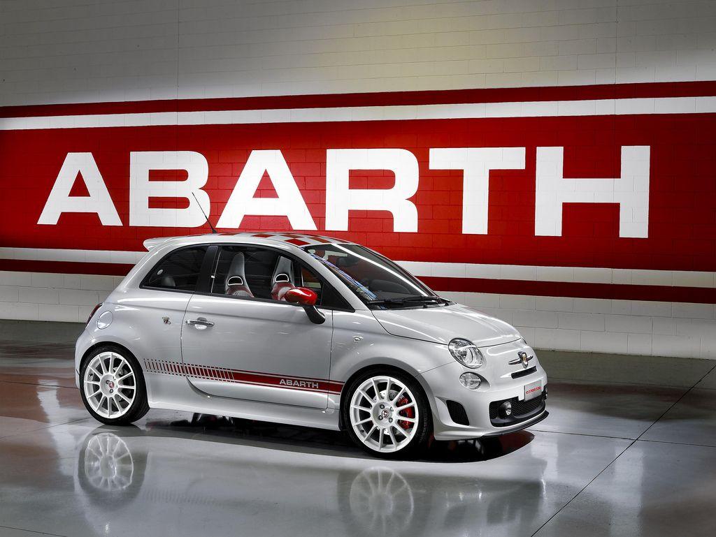 [Abarth] Visite virtuelle de l'usine Abarth Mirafiori 830353abarth500esseesse01