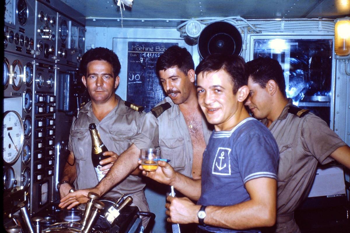 [ Les traditions dans la Marine ] LE SERVICE DU DIMANCHE 8315634Charnernouvelan66PCMachAR