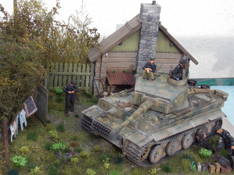 TIGRE S33  avant la bataille de Koursk juillet 43 (Dragon 1/35 dio DIODUMP) - Page 9 833426DSCN4774