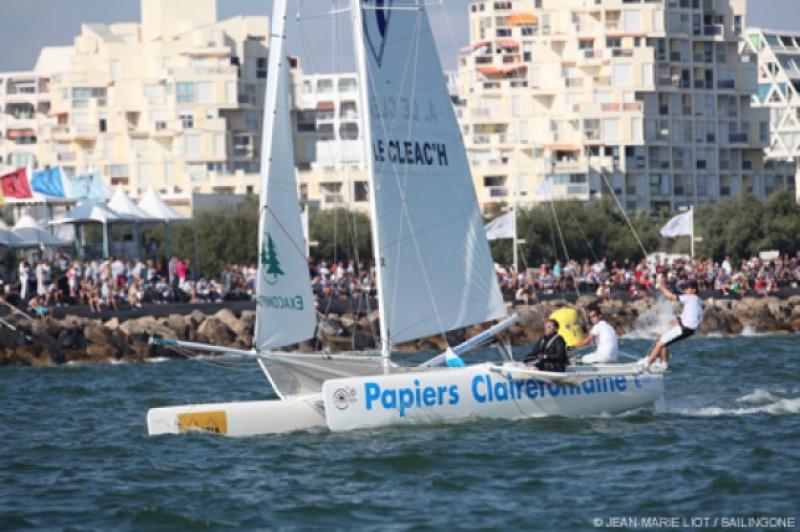 Le Vendée Globe au jour le jour par Baboune - Page 41 838945sailingonetropheeclairefontainer6440