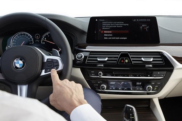 La nouvelle BMW Série 5 Berline. Plus légère, plus dynamique, plus sobre et entièrement interconnectée 839597P90237253highResthenewbmw5series