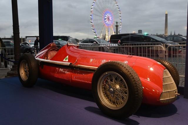 La légendaire Alfa Romeo 158 célèbre le retour de la Marque en Formule 1 lors de l'inauguration du FIA ''Hall of Fame'' à Paris 839983AR15801