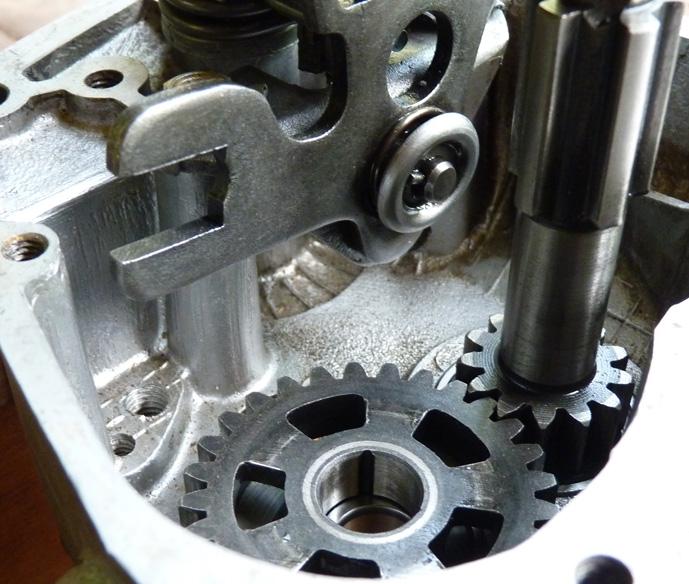remontage d'un bas moteur d'une 125 TS 841059P1060182