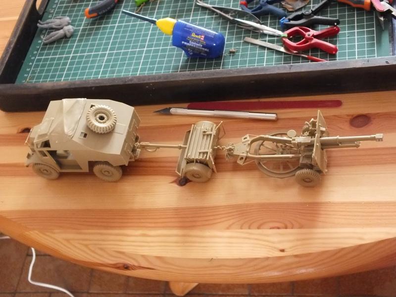 British 25pdr. field gun & Quad Gun Tractor (Canadian Ford F.G.T)  (Tamiya 1/35 réf. 35044) 843680DSCF7919