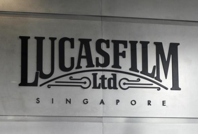 [Lucasfilm] Inauguration du Sandcrawler building à Singapour (2013)  849924sc7